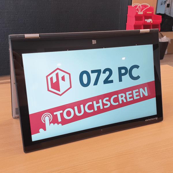 Foto van Lenovo Yoga 2 Pro laptop in tentmodus met tekst 'touchscreen' in beeld